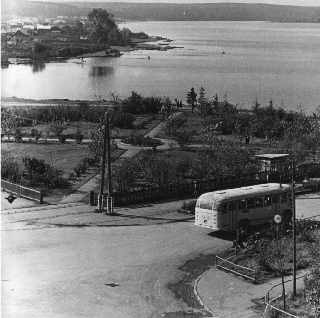На месте монумента в начале 1970-х