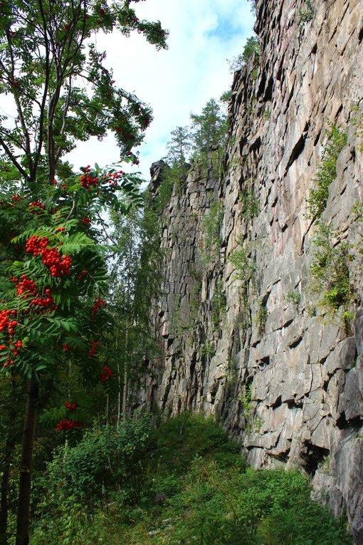 У подножия Шайтан камня на реке Реж