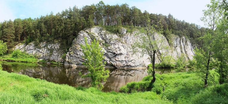 Береговые скалы реки Реж: Белый камень