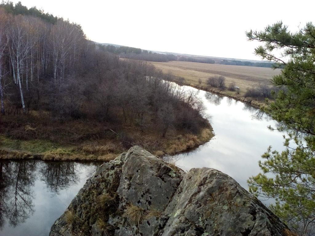 Вид с вершины Борухи на реку Реж