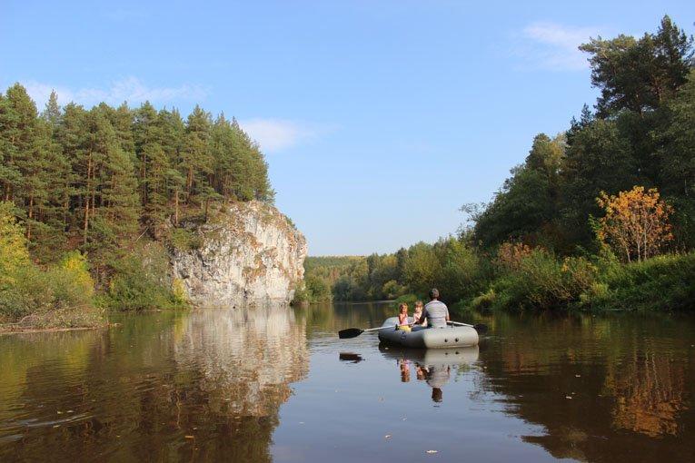 Известняковая скала на реке Реж между Першино и Голендухино