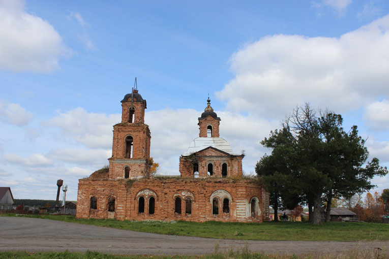 Крестовоздвиженская церковь в селе Леневском