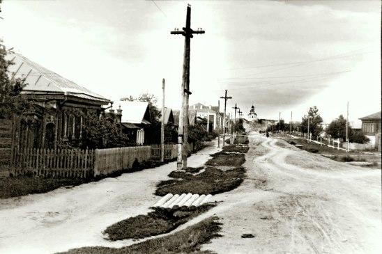 Улица Ленина и Иоанно-Предтеченская церковь в ее перспективе, фото середины XX века