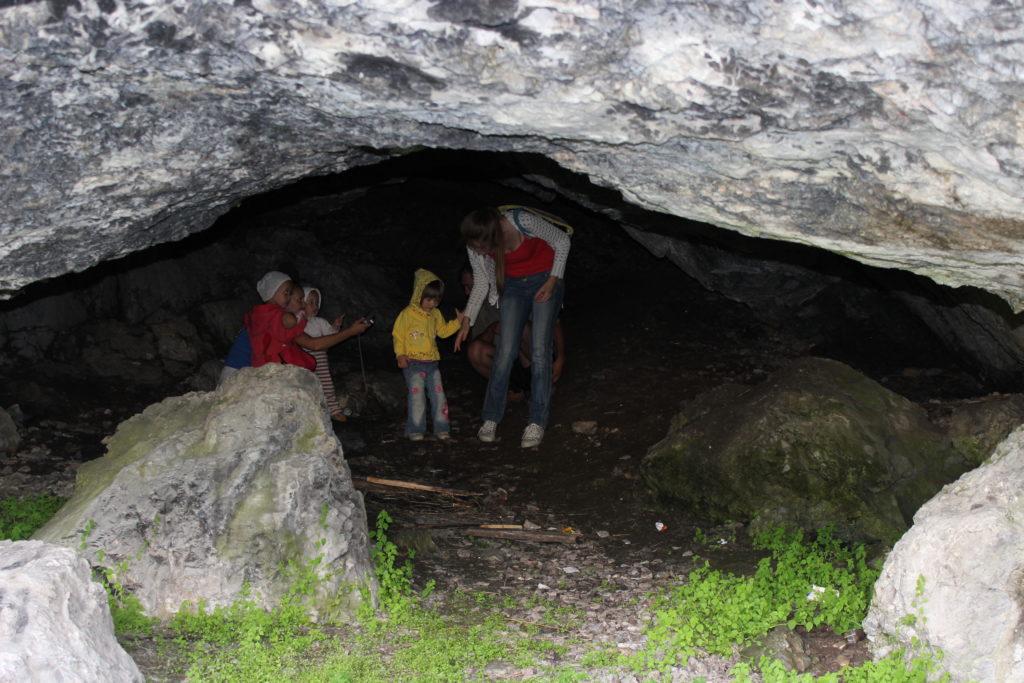 В Першинской пещере