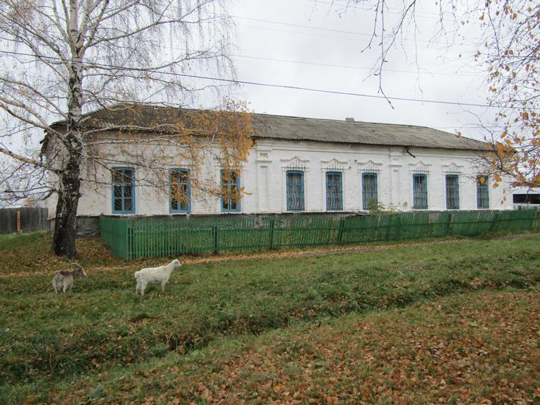 Черемисский музей, в прошлом здание земского училища