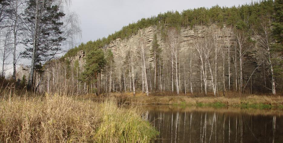 Береговые скалы реки Реж: Шайтан камень