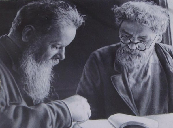 П. Бажов и Д. Зверев во время одной из встреч