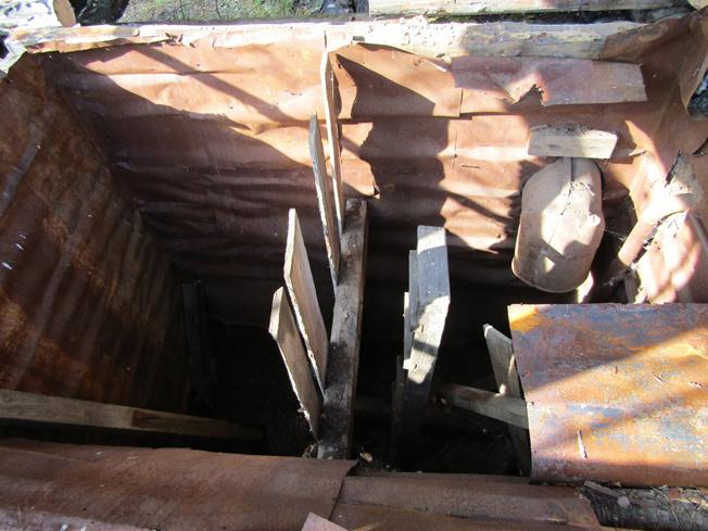 Ствол заброшенной шахты Семенинской