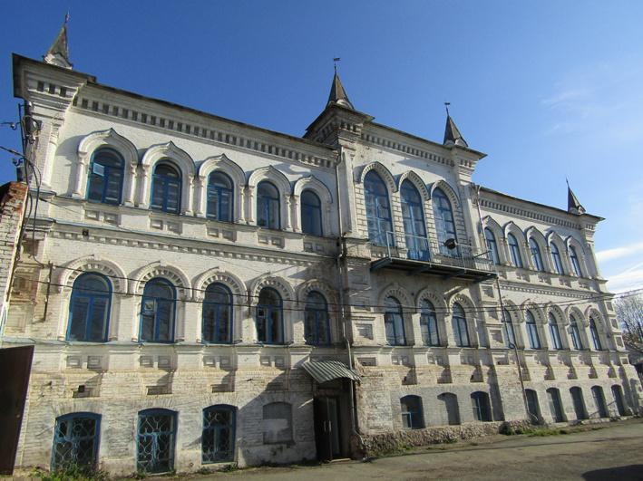 Первая школа, современное фото со двора