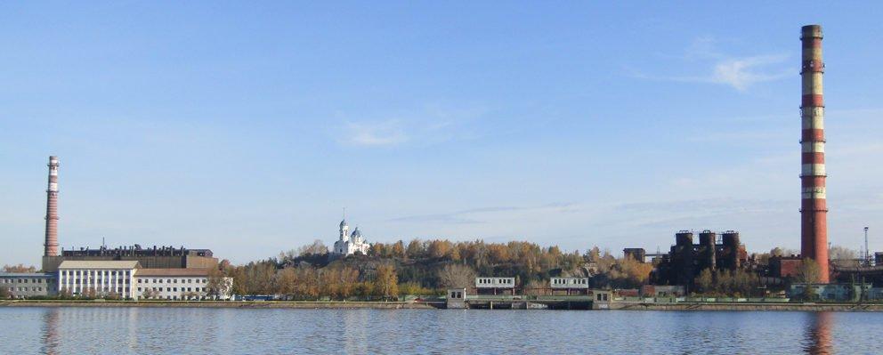 Вид на Режевскую плотину и пруд
