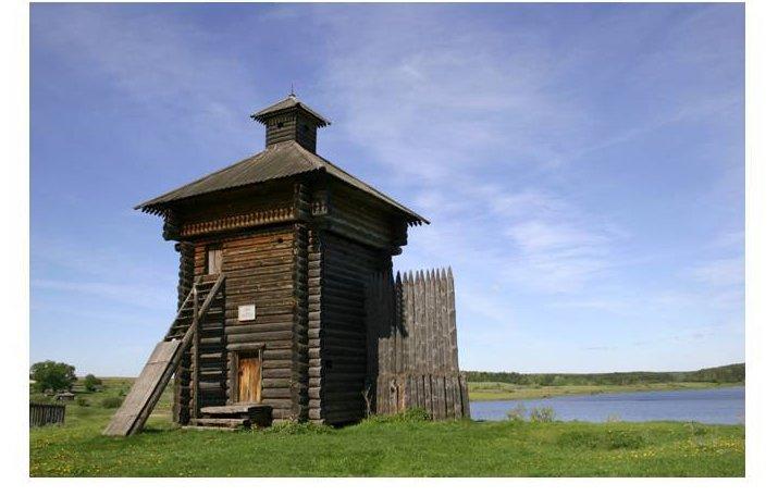 Реконструированная башня Арамашевского острога в Нижнесинячихинском музее-заповеднике