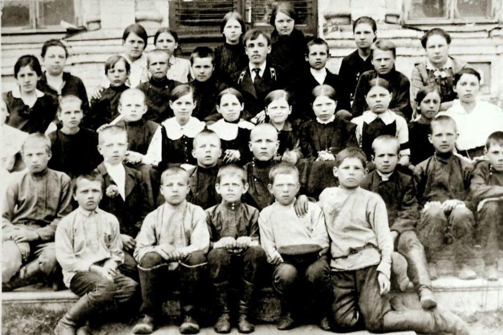 Учащиеся двухклассного училища
