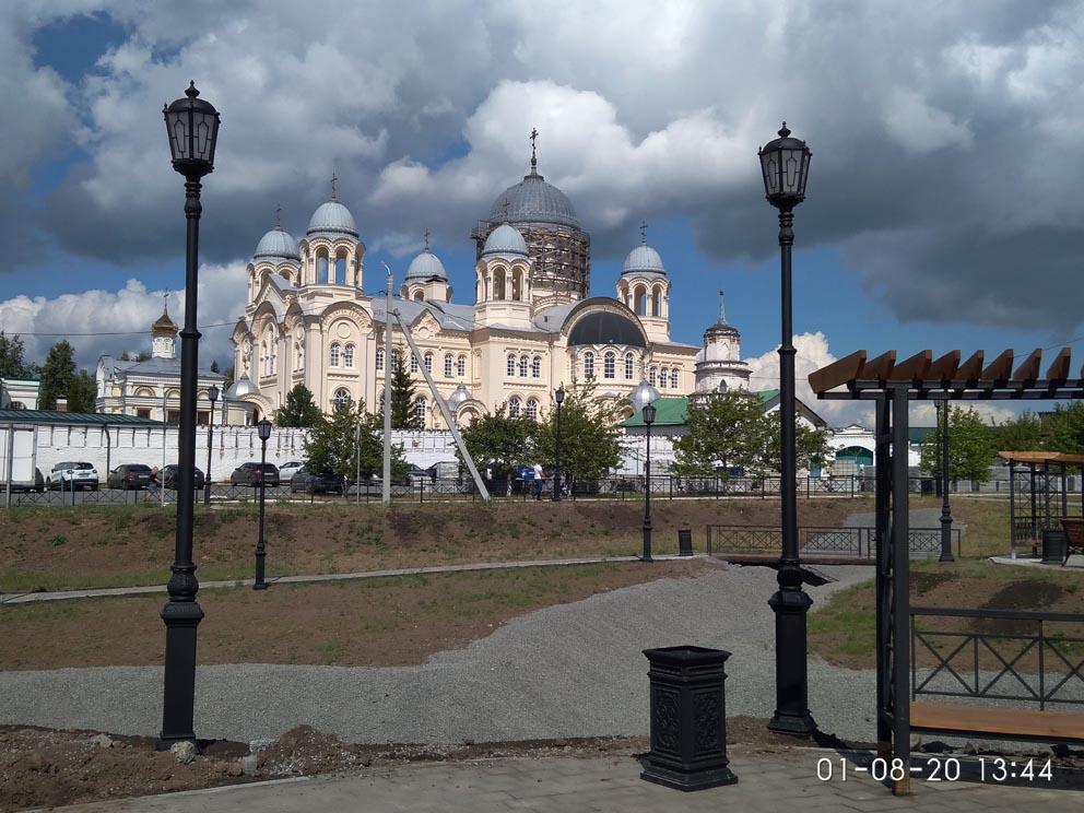 Крестовоздвиженский собор Свято-Николаевского монастыря в Верхотурье