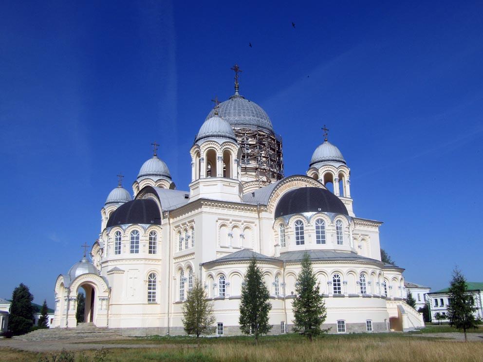 Крестовоздвиженский собор Николаевского мужского монастыря в Верхотурье
