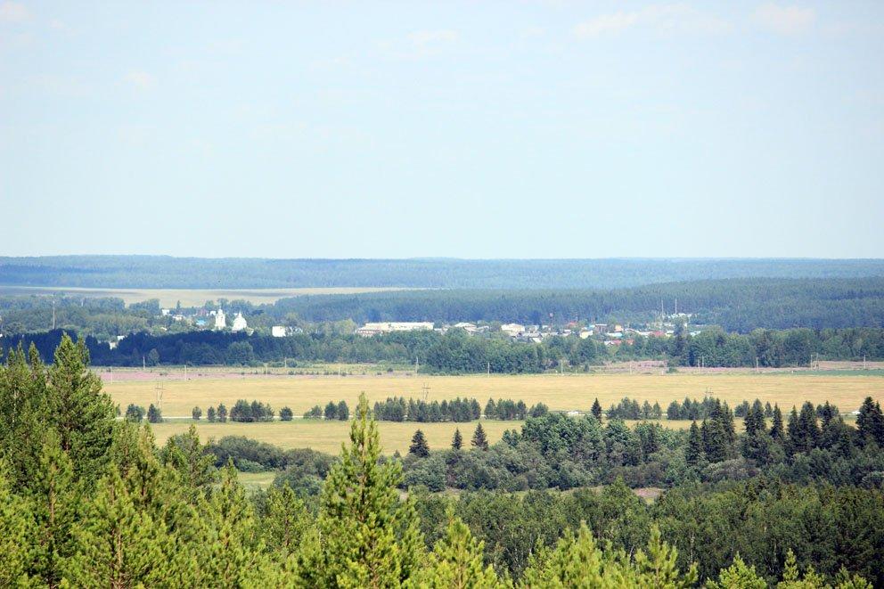 Вид с отвалов Липовского карьера на село Липовское