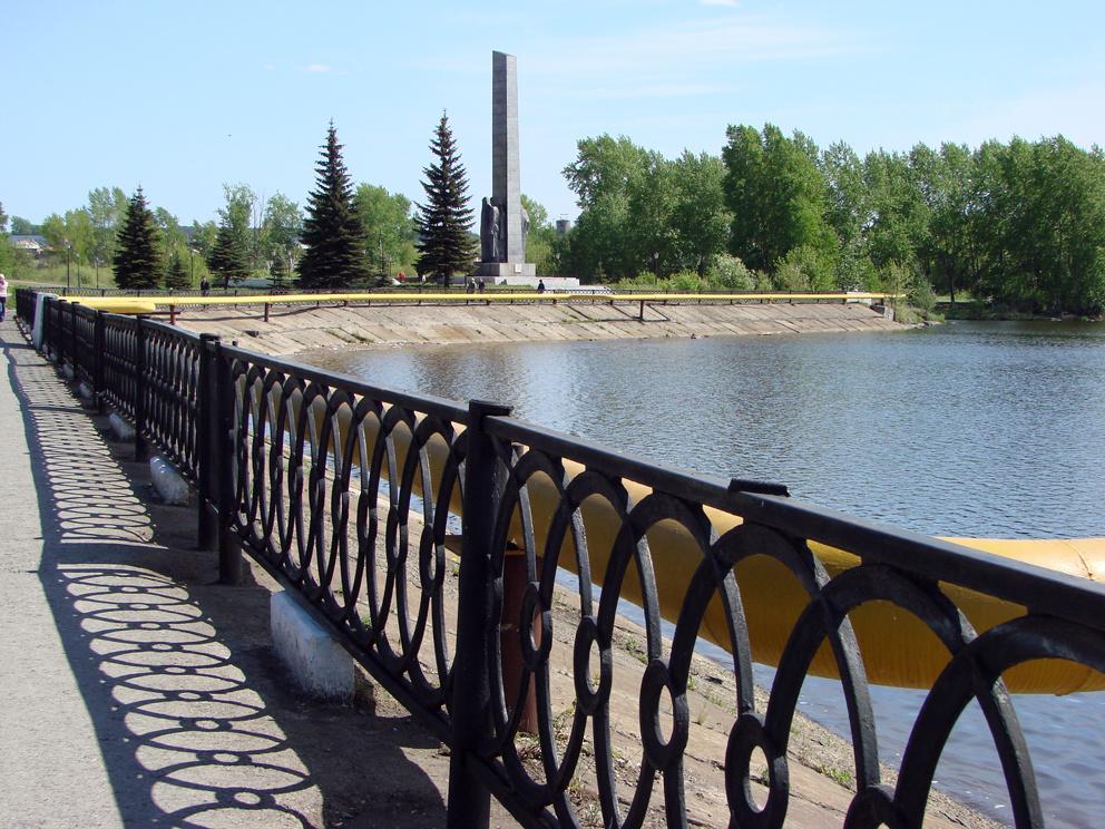 На Режевской плотине у Монумента