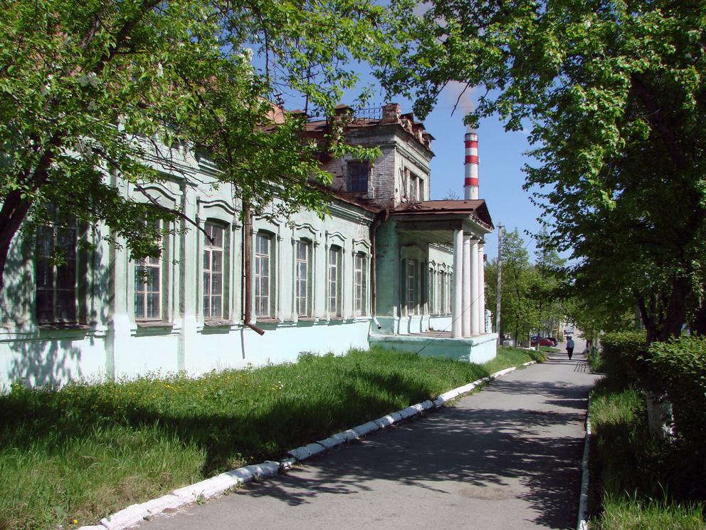 Заводоуправление старого Режевского завода
