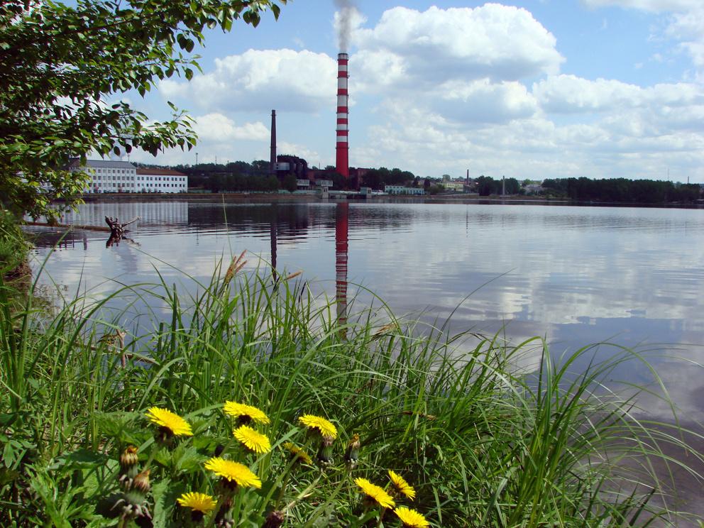 Вид на Режевской пруд из центральной части города