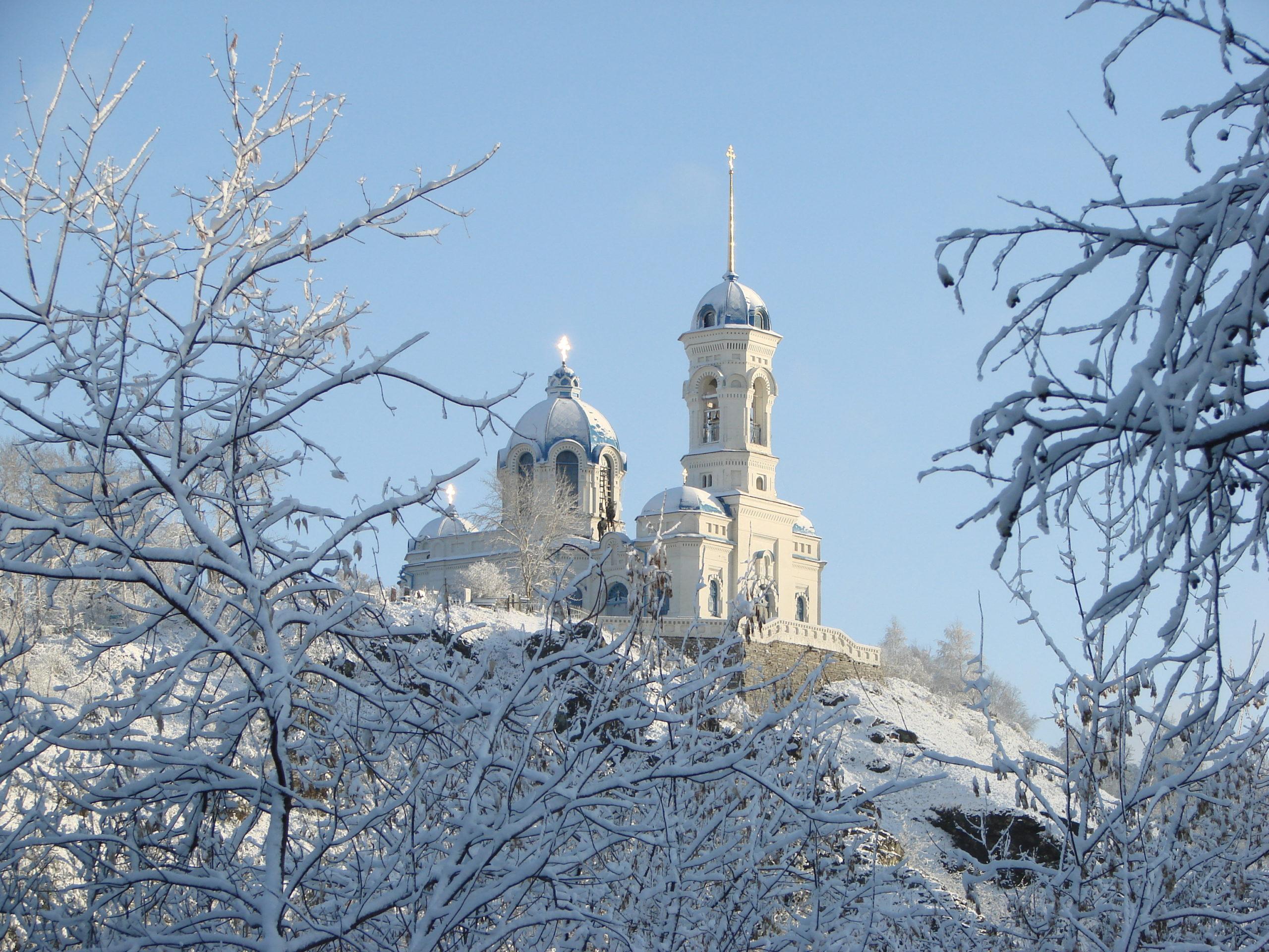Нагорный храм в Реже зимой