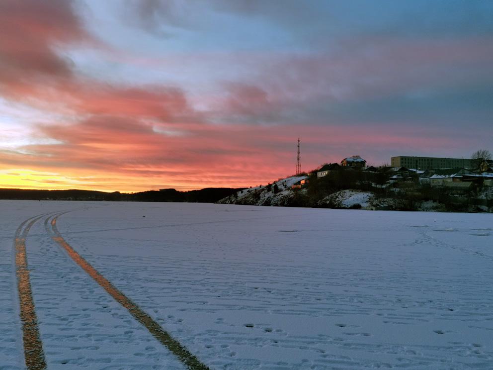 Режевской пруд зимой на закате